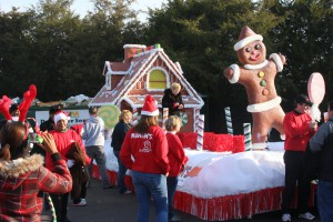 7-Martins-Grocery-Store-Midlothian-Christmas-Parade