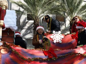 New_Orleans_Christmas_Parade_Beads_2009